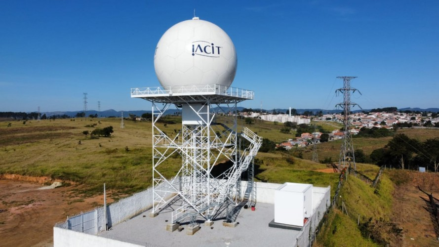 Radar Meteorológico RMT 0200, fabricado pela IACIT
