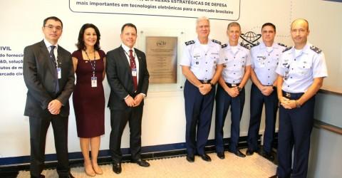 Comitiva do DECEA e CISCEA inaugura oficialmente a nova sede da IACIT