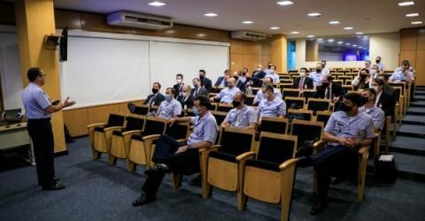 IACIT participa de Seminário de Empresas Aeroespaciais para Adidos 2021-2022, no EMAER